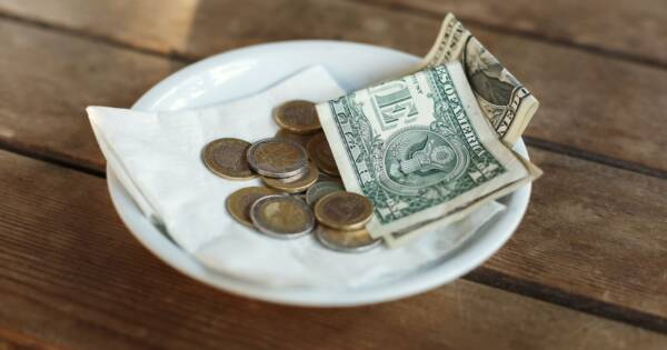 Tips on Tipping: Splitting a Restaurant Check