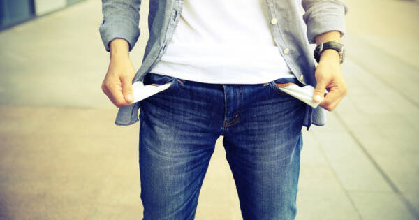 Here's Why You Struggle To Stay On Budget