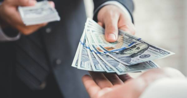 How to Safely Lend Money to Family and Friends