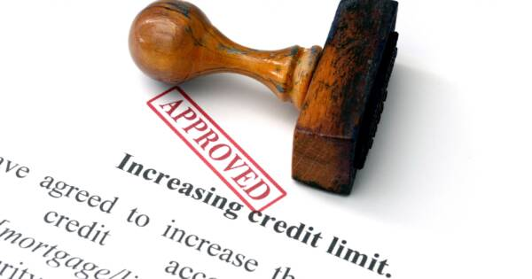 When You Should (And Shouldn't) Accept That Credit Limit Increase Offer