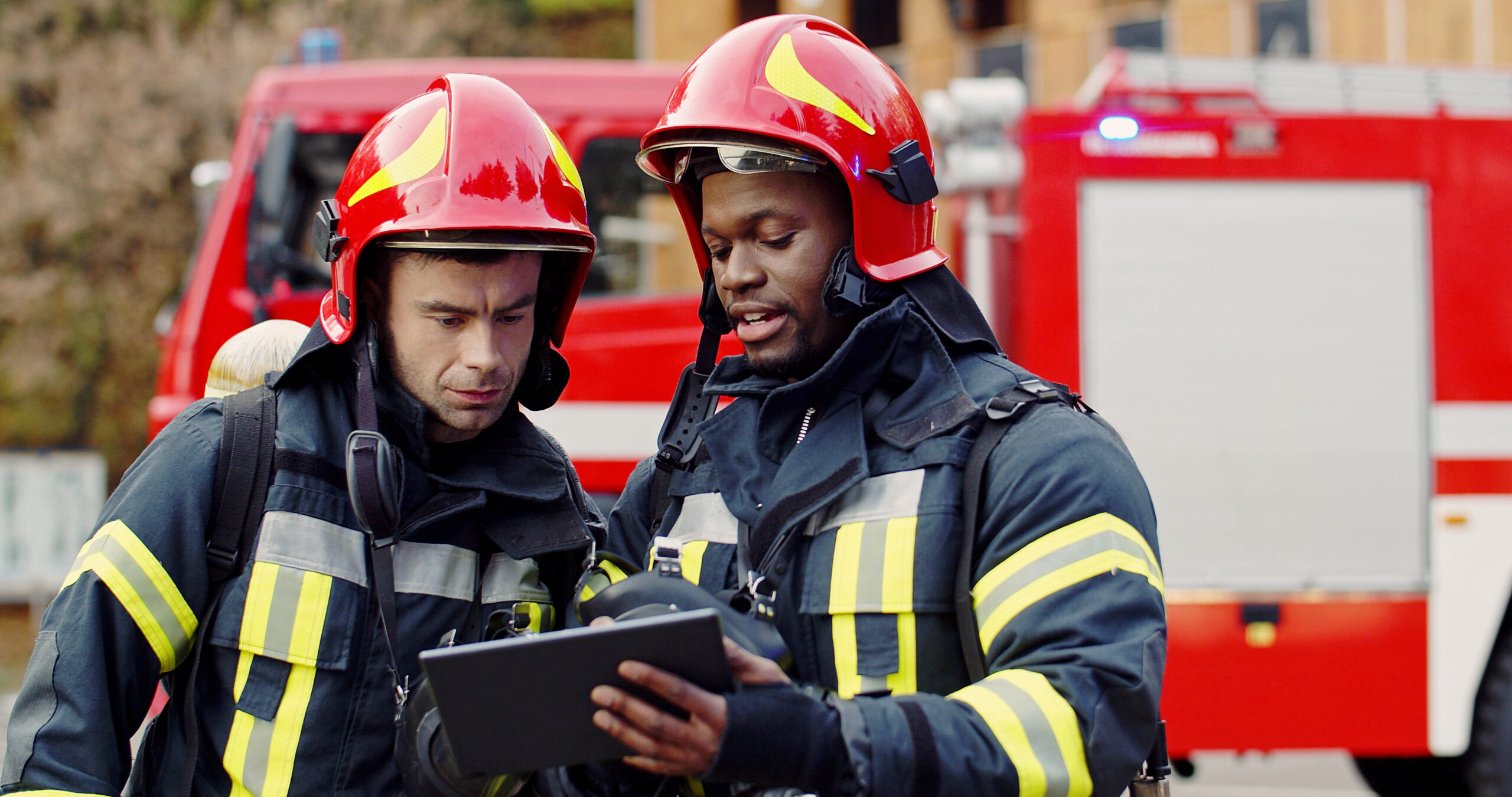 Firefighters planning their jobs