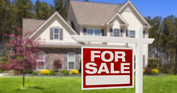 What To Do If Your House Hasn't Sold in a Year