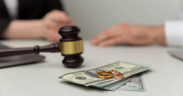 Money Mistakes To Avoid During a Divorce